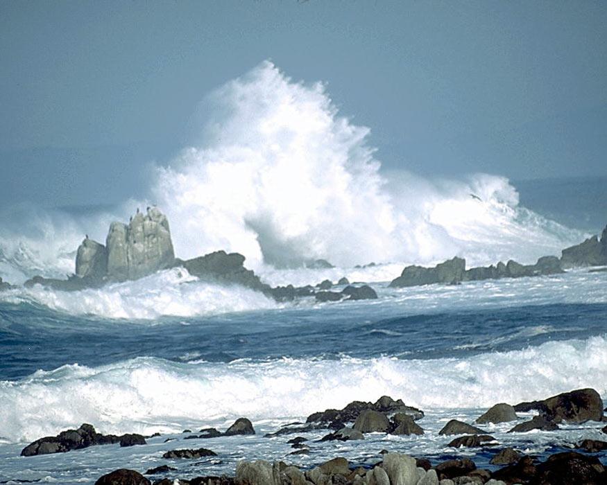 Океан выступает как символ или даже ...: sigils.ru/symbols/ocean.html